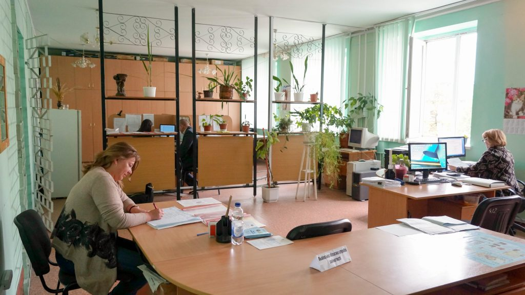Emergency room at the Department of Social Protection of the Lviv Regional Administration where IDPs are registered and provided with information regarding housing and employment possibilities.